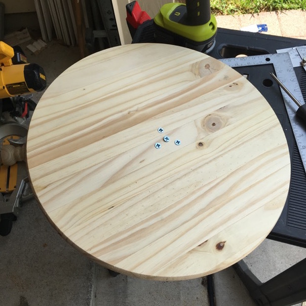 wobble board top with screws